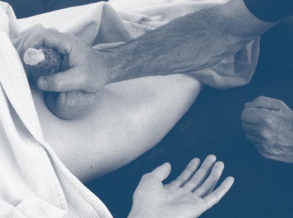 schaukelnde brüste yoni und lingam massage